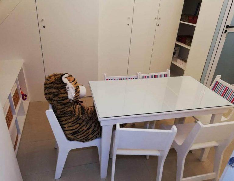 mesas de madera en capital